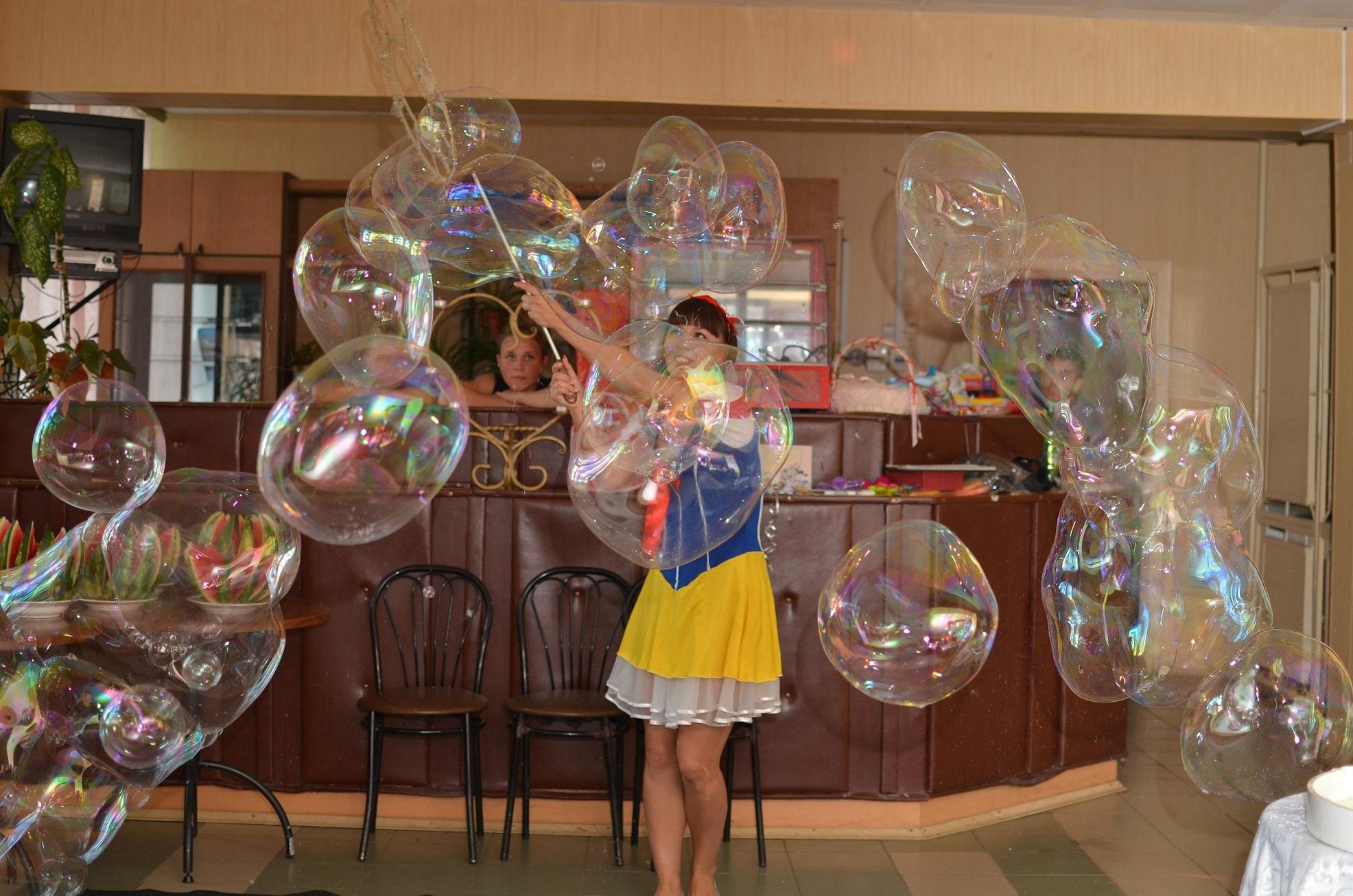 Как сделать шоу мыльных пузырей в домашних условиях 61